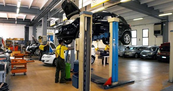officina Opel, L'Automobile, Alba
