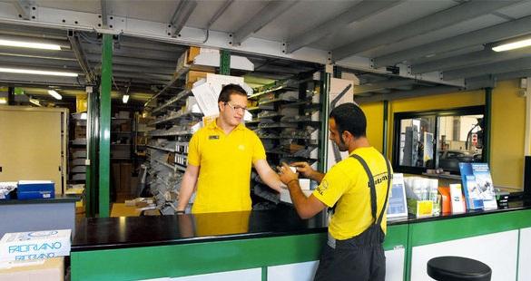 magazzino Opel, L'Automobile, Alba