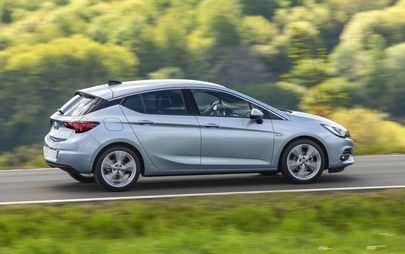 Smooth Operator: Opel Astra con l'efficiente trasmissione continua