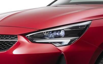 I tecnologici fari a LED Opel IntelliLux abbracciano la gamma