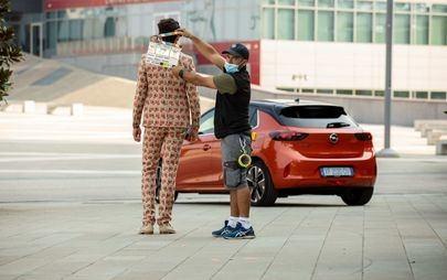 """Opel Corsa-e con Mika: """"L'energia di domani? E' Opel. Simply Electric""""."""