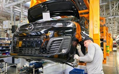 Opel torna in Russia: Zafira Life e Grandland X presso i concessionari