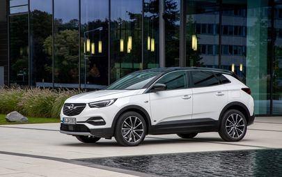 Made in Eisenach: la prima Opel Grandland X Hybrid Plug-in a trazione anteriore esce dalla linea di produzione