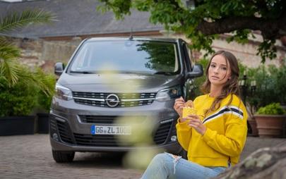 """In grande stile: la nuovissima """"Opel Vintage Collection"""" nell'Opel Shop"""