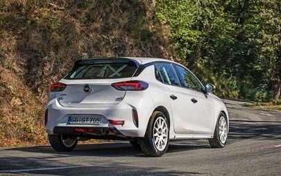 Opel Corsa Rally4 sulla linea di partenza