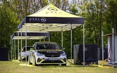 A tutta potenza: l'infrastruttura di ricarica mobile per la Opel Corsa-e Rally