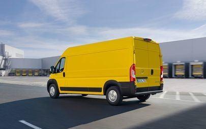 Con i nuovi Movano e Movano-e Opel si pone al vertice del segmento dei van di grandi dimensioni