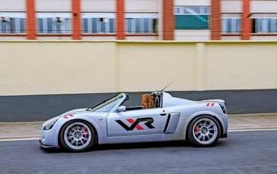 Opel Speedster per tutti i sensi