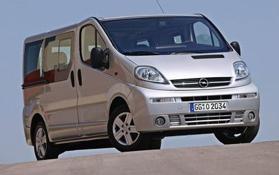 "Opel Vivaro compie 20 anni, il furgone con la ""jumbo roof"""