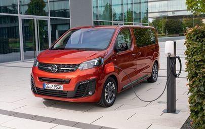 Opel preme l'interruttore: Zafira-e Life completamente elettrica in vendita in Italia da €31.678 con EcoBonus